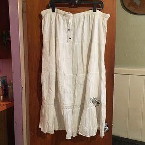 White boho skirt sz XL